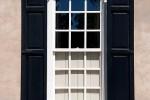 fenêtre en bois blanche