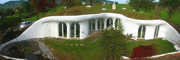 avantages des maisons enterrées - atelier de l'habitat