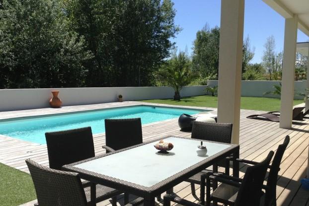 villa-610118_960_720
