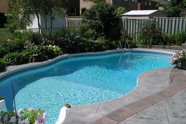 piscine extérieure - atelier de l'habitat