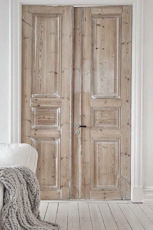 porte de bois atelier de l'habitat
